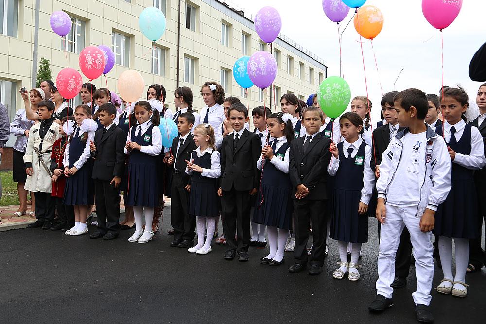 В сельском поселении Кантышево состоялось открытие школы на 704 места